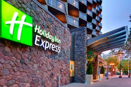 Holiday Inn Express Edmonton Downtown Cover Picture