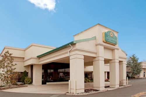 La Quinta Inn & Suites Fairfield, NJ Cover Picture