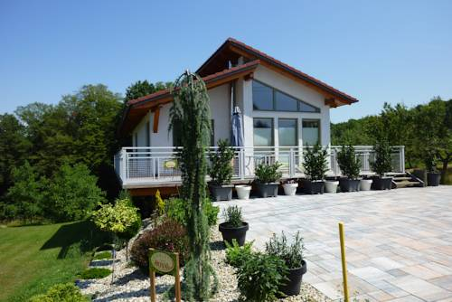 Chalet Royal Cover Picture
