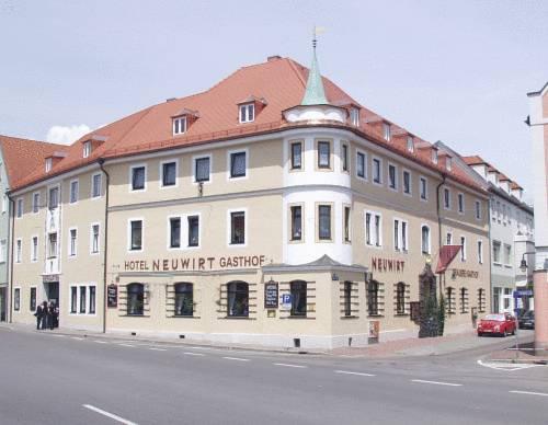 Hotel & Brauerei-Gasthof Neuwirt Cover Picture