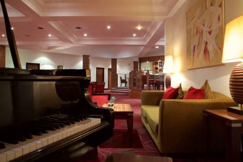 Hallmark Hotel Irvine Cover Picture