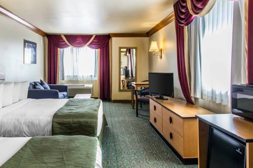 Quality Inn and Suites Denver Airport - Gateway Park Cover Picture