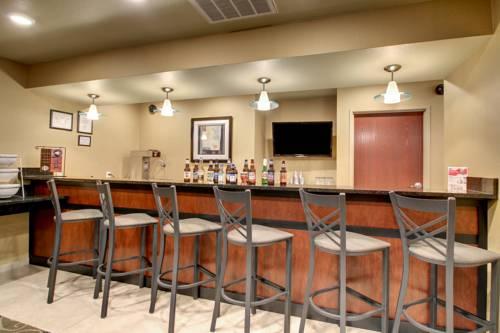 Cobblestone Hotel and Suites Salem Cover Picture