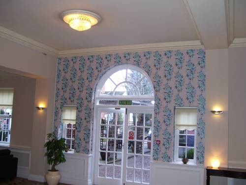 Fownes Hotel Cover Picture