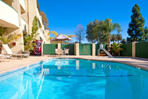 Central Inn & Suites Cover Picture
