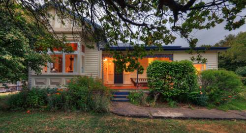 Acacia Bed and Breakfast Cover Picture