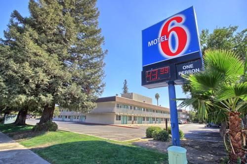 Motel 6 Porterville Cover Picture