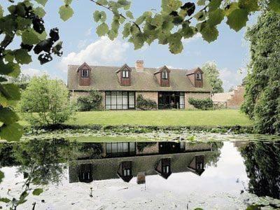 Fuchsia Cottage Cover Picture