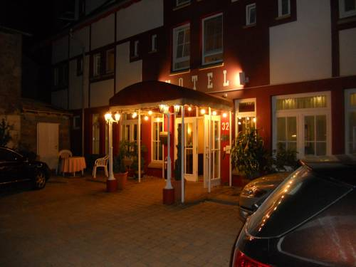 Cross-Country-Hotel Hirsch Cover Picture