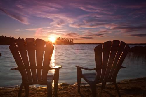 Goldenville Cottage Resort Cover Picture