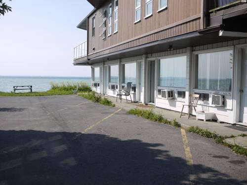 Motel Rive Du Lac Cover Picture
