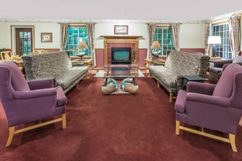 Baymont Inn & Suites Mequon Milwaukee Area Cover Picture