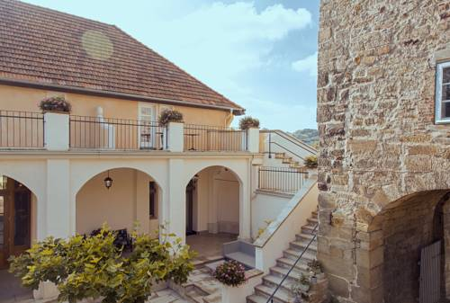 Hotel Bellini Cover Picture