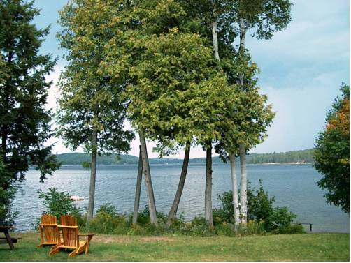12 Mile Lake Bed and Breakfast Cover Picture