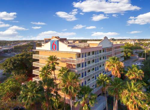 Motel 6 Cutler Bay Cover Picture