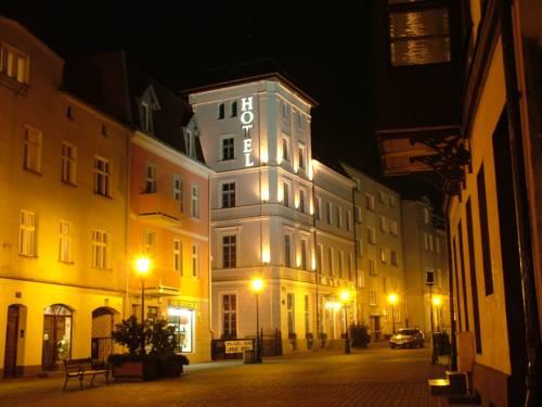 Hotel Marmułowski Cover Picture