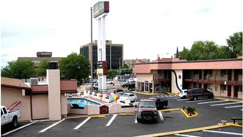 Santa Fe Inn - Pueblo Cover Picture