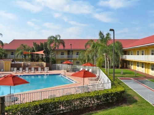 La Quinta Inn Cocoa Beach-Port Canaveral Cover Picture