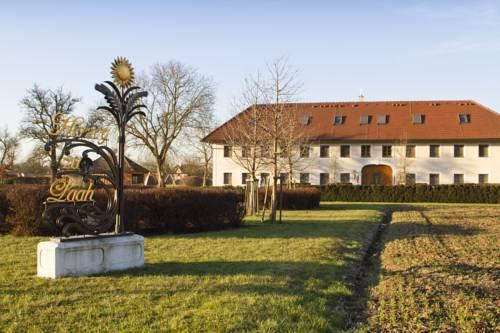 Bauernhofpension Herzog zu Laah Cover Picture