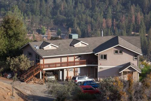 Yosemite Sierra View Bed & Breakfast Cover Picture