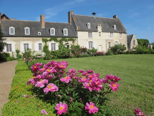 Le Petit Plessis Cover Picture