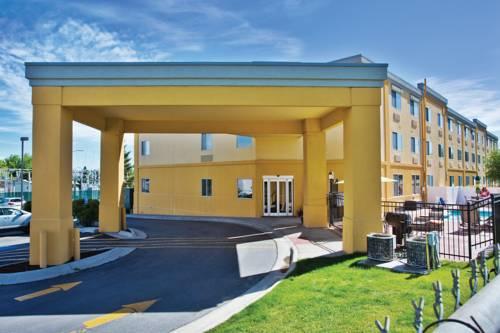 La Quinta Inn & Suites Helena Cover Picture
