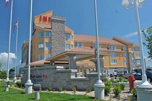 Monte Carlo Inn Barrie Cover Picture