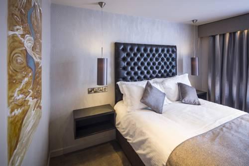 The Enniskillen Hotel Cover Picture