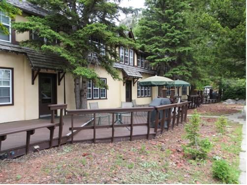 Crandell Mountain Lodge Cover Picture