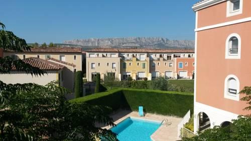 Garden & City Aix En Provence - Rousset Cover Picture
