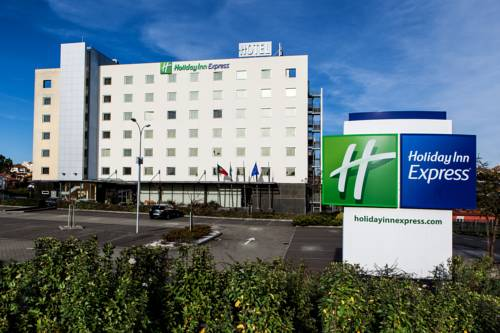 Holiday Inn Express Lisbon-Oeiras Cover Picture