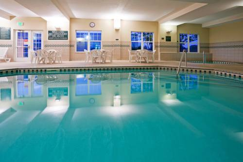 Country Inn & Suites Saint Cloud East Cover Picture