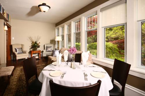 Kettle Creek Inn Cover Picture