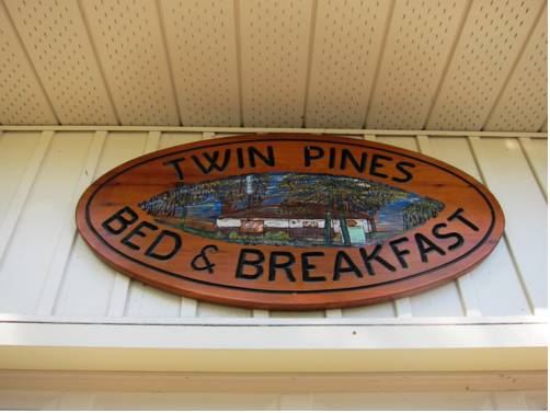 Twin Pines Bed and Breakfast Cover Picture