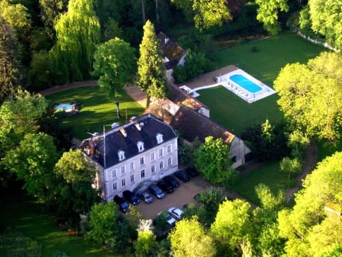 Château de Challanges Cover Picture