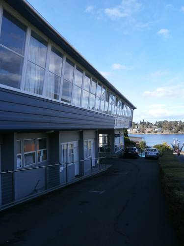 Waterfront Lodge Motel Cover Picture