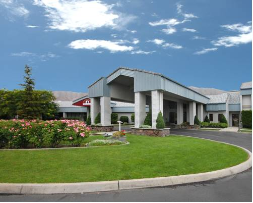 Quality Inn & Suites Conference Center Clarkston Cover Picture