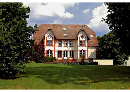 Villa Knobelsdorff Cover Picture