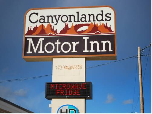 Canyonlands Motor Inn Cover Picture