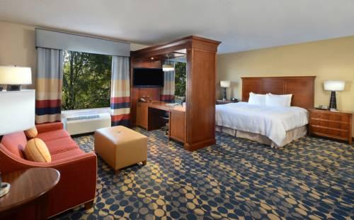 Hampton Inn & Suites Huntersville Cover Picture