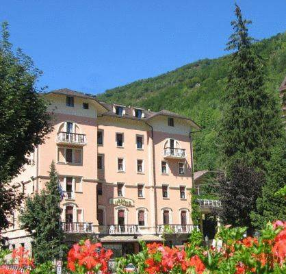 Limone Palace Aparthotel Cover Picture