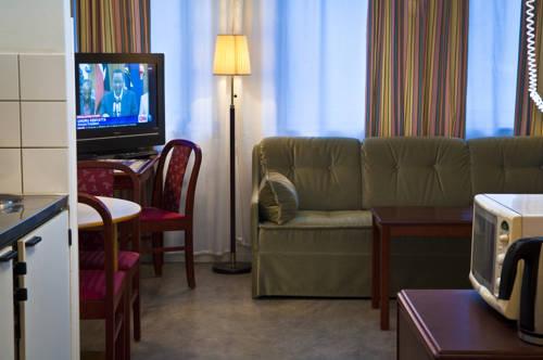 LA Hotel – Lidingö Arena Cover Picture