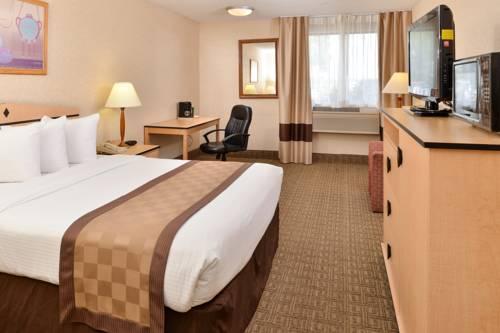 Lexington Inn & Suites Cover Picture