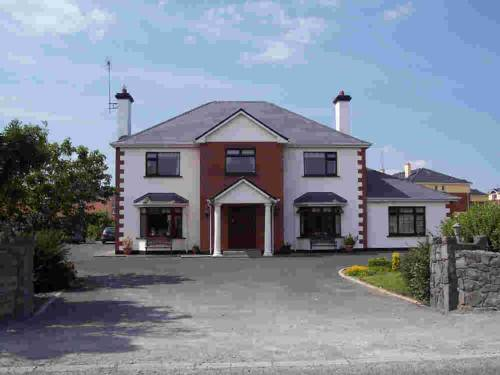Claddagh Moon Bed & Breakfast Cover Picture