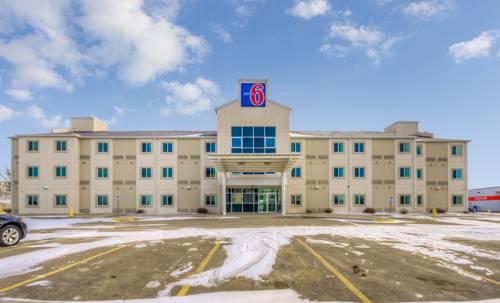 Motel 6 Estevan Cover Picture