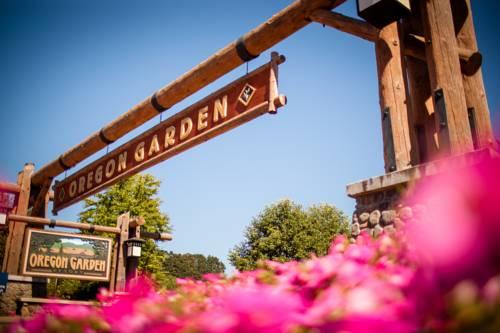Oregon Garden Resort Cover Picture