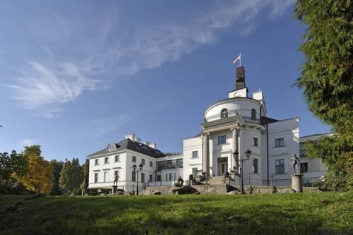 Schlosshotel Burg Schlitz Cover Picture