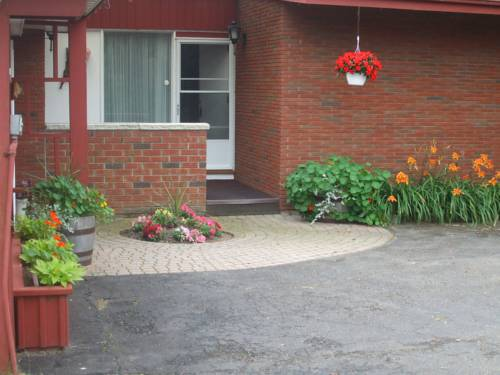 Ashbury Inn on the River Bed & Breakfast Cover Picture