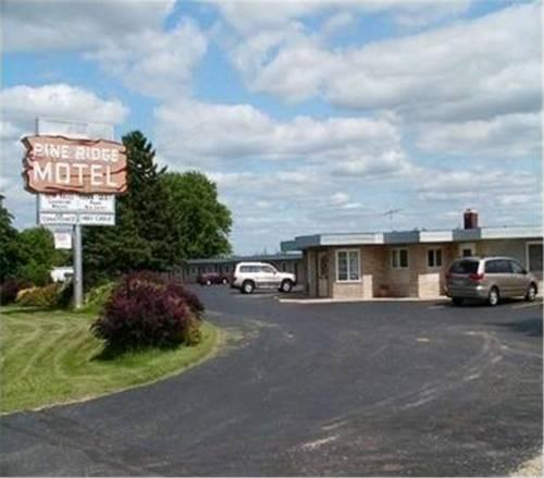 Pine Ridge Motel Cover Picture