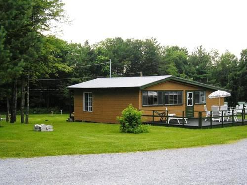 La Forêt de Freli Cottage et Camping Cover Picture